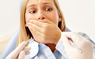 Woman fear of the dentist